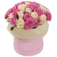 A gentle composition of roses in a box - flowers and bouquets on uaflorist.com
