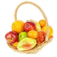 Корзинка фруктов - цветы и букеты на uaflorist.com