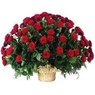 Корзина цветов из 75 роз - цветы и букеты на uaflorist.com