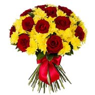 Bouquet of 11 roses and 6 chrysanthemums - flowers and bouquets on uaflorist.com