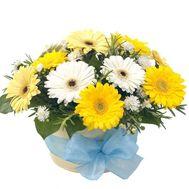 Корзина цветов из 12 гербер и 1 хризантема - цветы и букеты на uaflorist.com