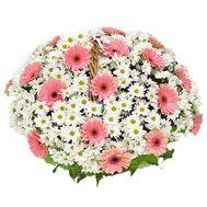 Корзина цветов из 19 хризантем и 25 гербер - цветы и букеты на uaflorist.com