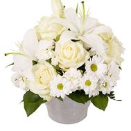 Basket of flowers made of 5 roses, 7 lilies and 1 chrysanthemum - flowers and bouquets on uaflorist.com
