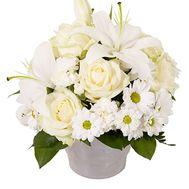 Корзина цветов 1 белая лилия, 7 белых роз, 5 белых - цветы и букеты на uaflorist.com