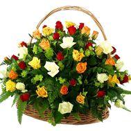 Корзина цветов из 51 розы - цветы и букеты на uaflorist.com