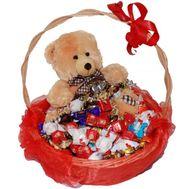Конфеты и Мишка - цветы и букеты на uaflorist.com