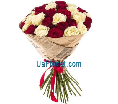 """A contrasting bouquet of roses"" in the online flower shop uaflorist.com"