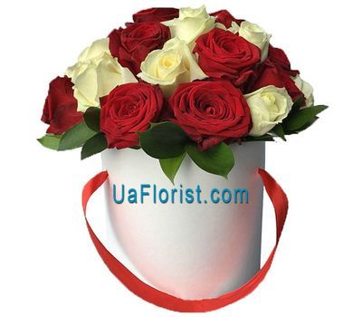 """Red and white roses in the box"" in the online flower shop uaflorist.com"