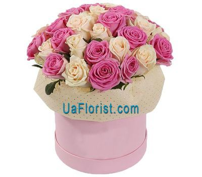 """A gentle composition of roses in a box"" in the online flower shop uaflorist.com"
