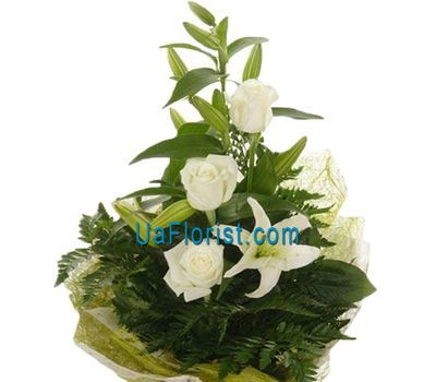 """3 white roses and lily"" in the online flower shop uaflorist.com"