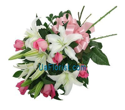 """Bouquet of flowers from 5 roses and 2 lilies"" in the online flower shop uaflorist.com"