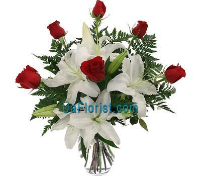 """Bouquet of flowers from 6 roses and 1 lily"" in the online flower shop uaflorist.com"