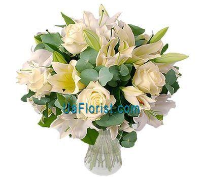 """A bunch of flowers of 10 roses and 5 lilies"" in the online flower shop uaflorist.com"
