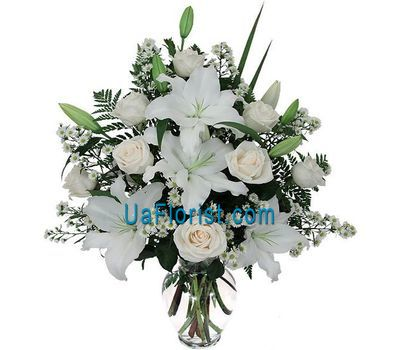 """Bouquet of flowers from 8 roses and 1 lily"" in the online flower shop uaflorist.com"