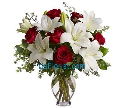 """Bouquet of flowers from 7 roses and 2 lilies"" in the online flower shop uaflorist.com"