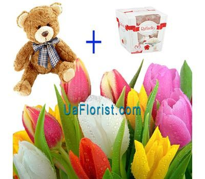 """17 tulips, mouse and candy"" in the online flower shop uaflorist.com"