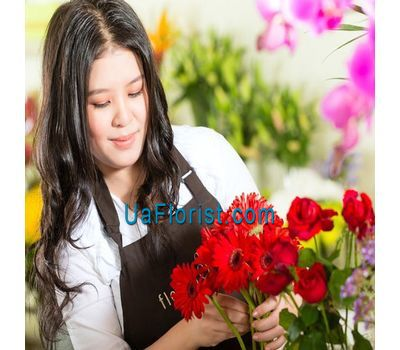 """Bouquet of flowers collected at the discretion of the florist"" in the online flower shop uaflorist.com"