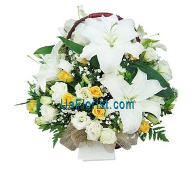 """Basket of flowers from 3 lilies and 19 roses"" in the online flower shop uaflorist.com"
