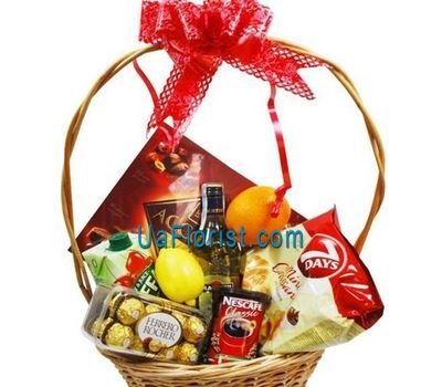 """""""Gift set"""" in the online flower shop uaflorist.com"""