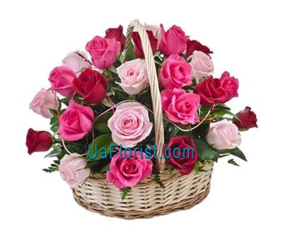 """Corazena of 33 roses"" in the online flower shop uaflorist.com"