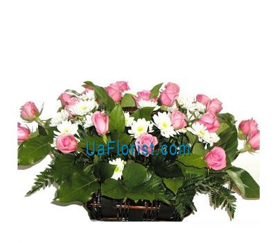 """Basket of flowers from 12 chrysanthemums and 15 roses"" in the online flower shop uaflorist.com"