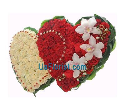 """VIP composition of 146 roses and 3 orchids (or lilies)"" in the online flower shop uaflorist.com"